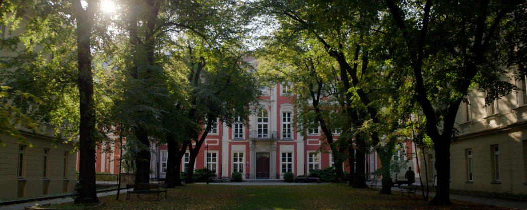 Pałac Czapskich - dziedziniec ASP w Warszawie