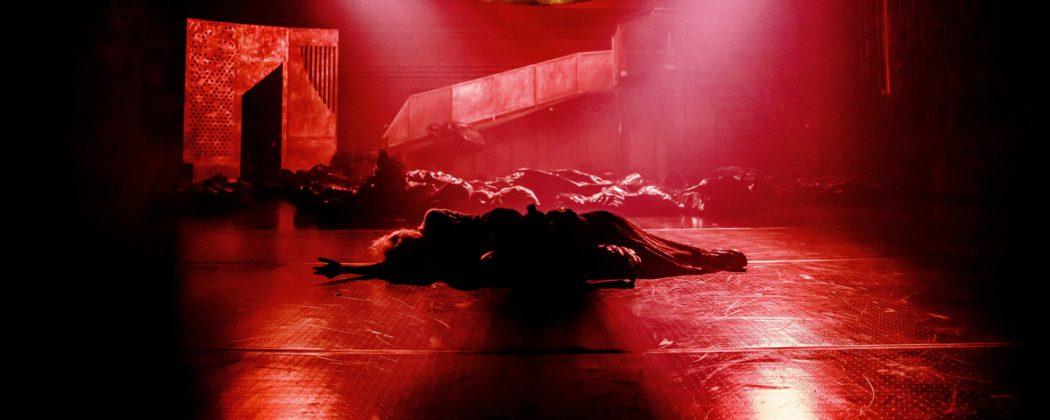 """""""Król Lear"""" z kostiumami mgr Anny Adamek i scenografią dr Martyny Kander. autor zdjęcia: Krzysztof Bieliński"""