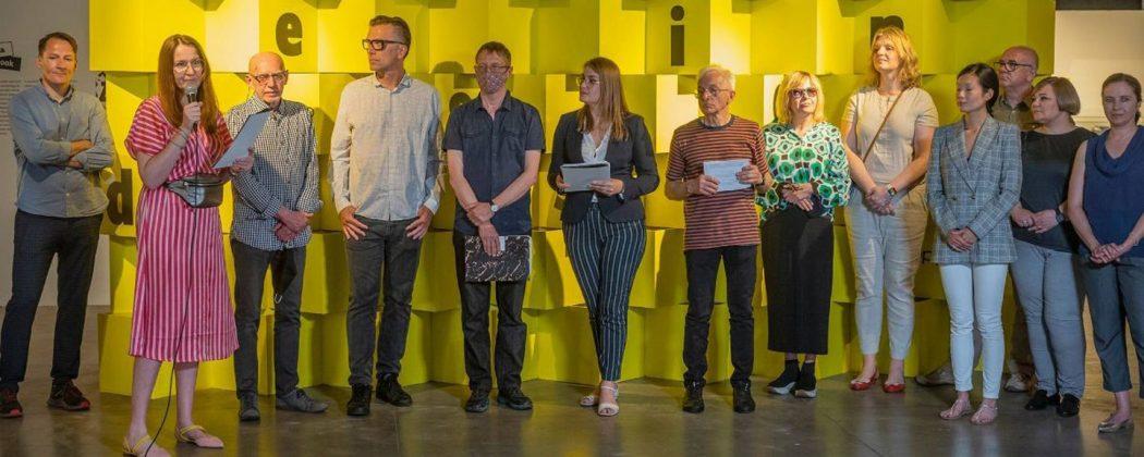 Design 32. Odczytanie werdyktu jury i otwarcie wystawy konkursowej w galerii Rondo Sztuki w Katowicach.